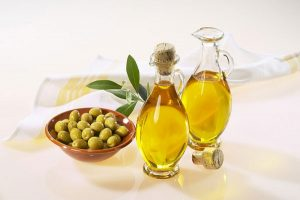 Chia sẻ cách trị mụn bằng dầu olive