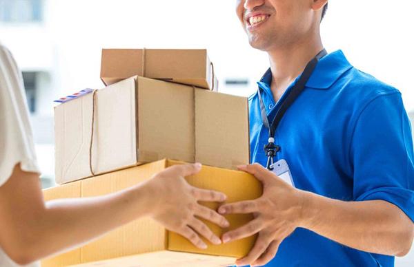 Những bệnh nhân ở xa sẽ được nhà thuốc chuyển thuốc qua đường bưu điện