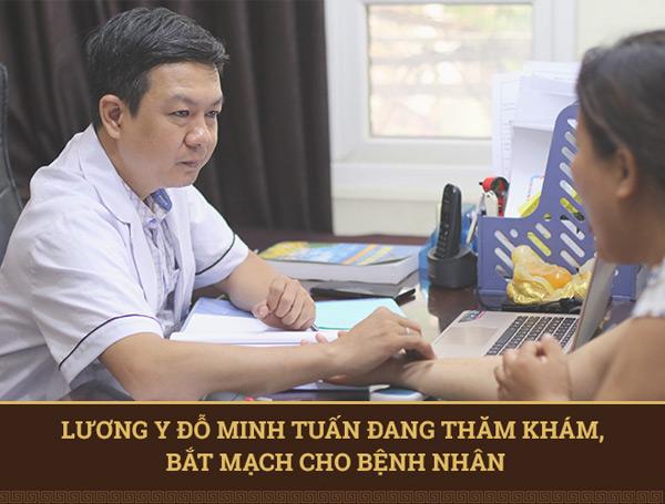Lương y Đỗ Minh Tuấn bắt bệnh cho người dân