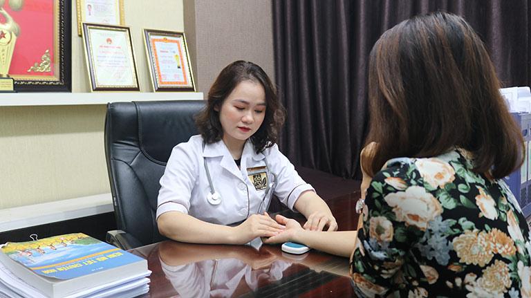 Bệnh nhân được bác sĩ Hằng thăm khám đều đánh giá cao về bác sĩ