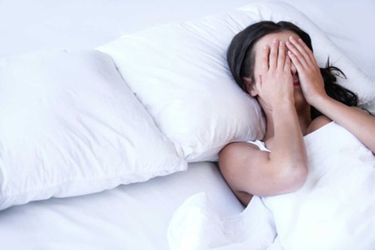 Mãn kinh gây ra vô số vẫn đề về sức khỏe, sắc đẹp khiến chị em mệt mỏi